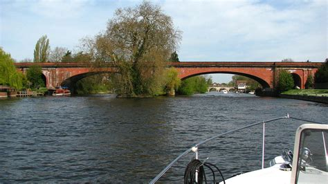 Maidenhead – Travel guide at Wikivoyage