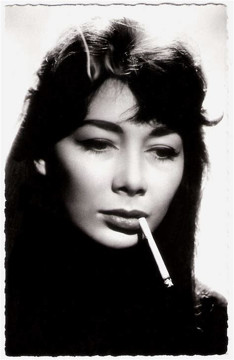 Juliette Greco   French postcard by Editions du Globe