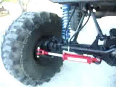 Full hydraulic steering on the monster jeep